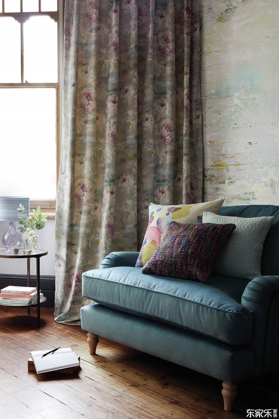 常见的室内设计错误和如何避免它们 - 窗帘应始终挂在地板上