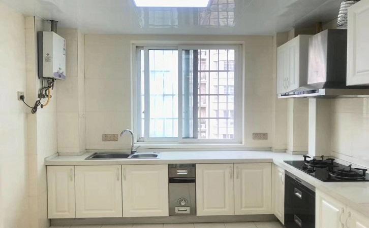 117平米简欧风格厨房橱柜吊柜展示