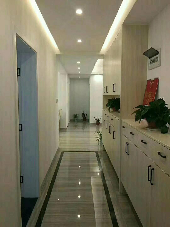 常德80平米现代简约客厅过道图片