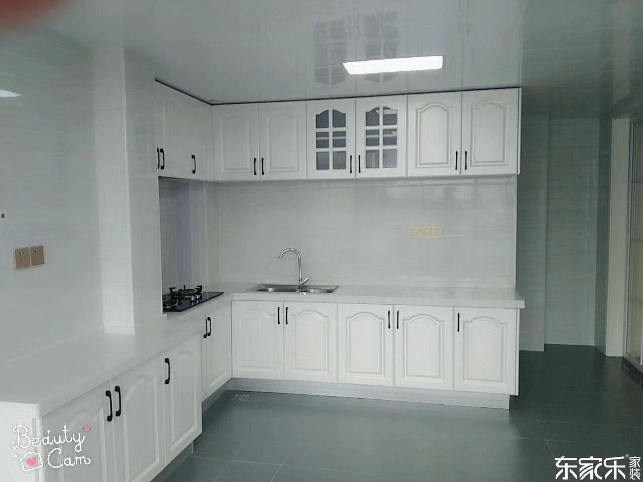 115平米现代简约风格厨房装修效果图
