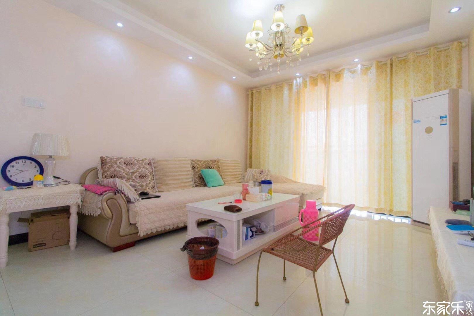 98平现代简约风格客厅装饰搭配