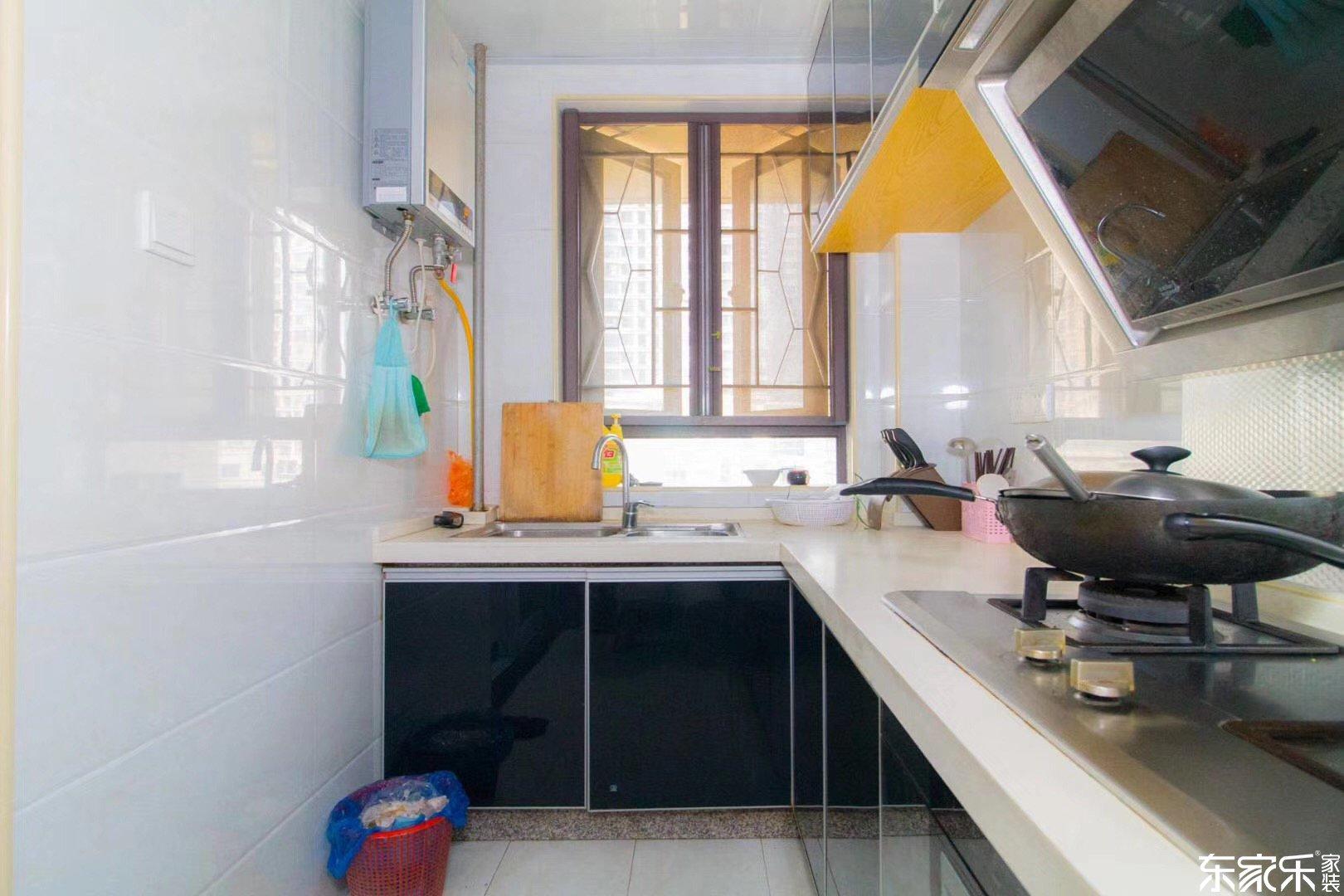 98平现代简约风格厨房装修效果图