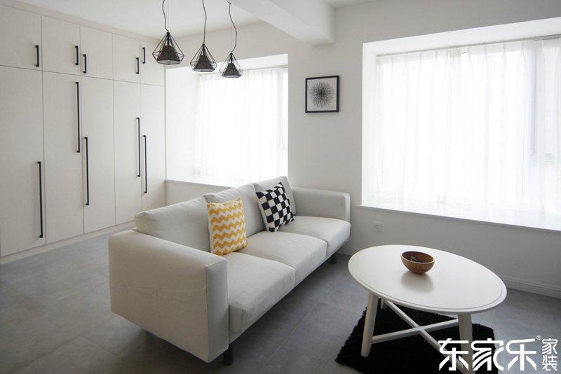 衡阳90平现代简约风格客厅装饰搭配